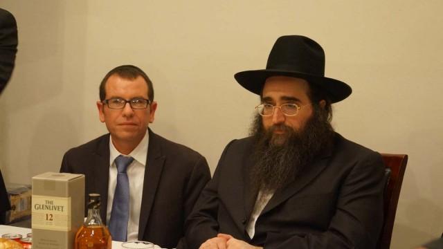 הרב פינטו שיעור על פרשת שמות שהתקיים בבית חסיד הישיבה בברוקלין