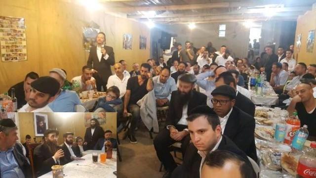 שימחת בית השואבה בישיבה בברוקלין – חידושים עצומים לחג הסוכות