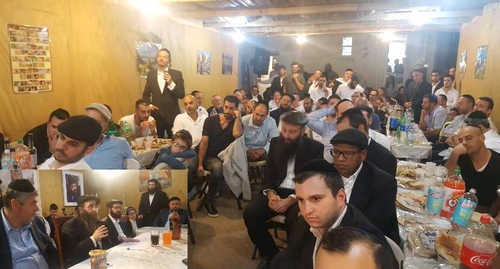 שימחת בית השואבה בישיבה בברוקלין - חידושים עצומים לחג הסוכות